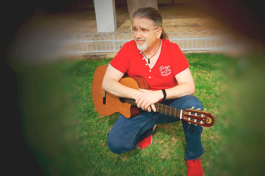 Profesorado LEstudi Escuela de musica de Tarragona Miguel-Trujillo---guitarra